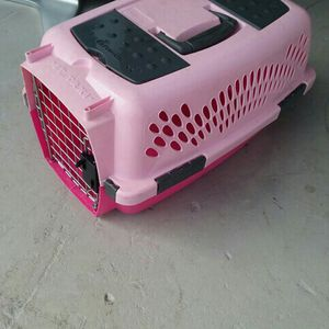 Dog Cage Pink Color for Sale in Port Richey, FL