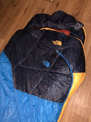 THE NORTH FACE - MUMMY SLEEPING BAG for Sale in Los Angeles, CA