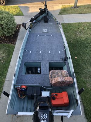 14ft Valco Boat with 2006 9.8 Tohatsu for Sale in Long Beach, CA