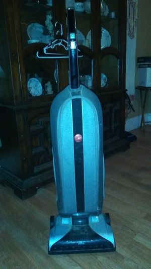 Hoover vacuum cleaner for Sale in Cleveland, OH