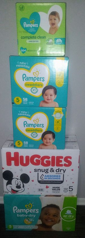 Pampers combo for Sale in Arlington, TX