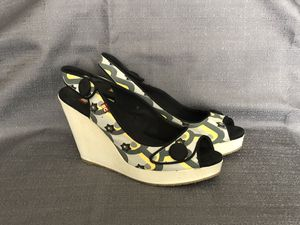 BC Wedge Peep Toe Shoes Size 8 for Sale in Grand Island, NE