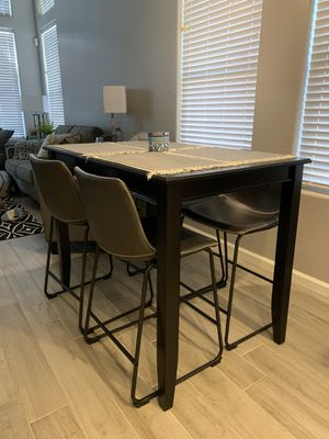 High top kitchen table for Sale in Phoenix, AZ