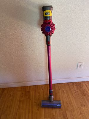 Dyson V7 Motörhead with charger. Needs new battery for Sale in San Diego, CA