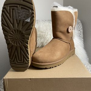 UGG® Bailey Button II Boot for Sale in Reedley, CA