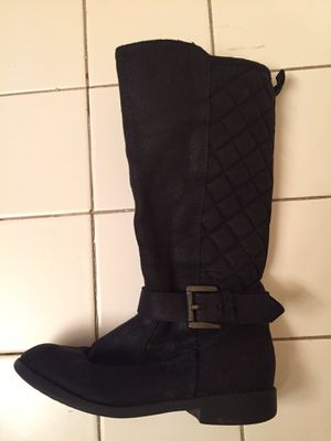 Girl boots size 10 1/2 for Sale in Oakland Park, FL
