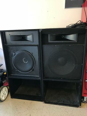 Two big speakers for Sale in Houston, TX