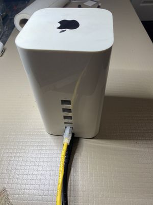 Apple AirPort Extreme Base Station 6th Gen Dual 802.11ac Wifi Router A1521 for Sale in Tracy, CA