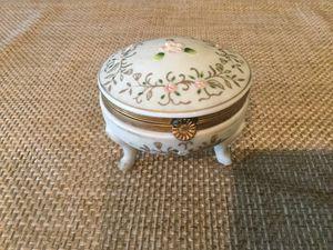Vintage trinket box for Sale in Jacksonville, FL