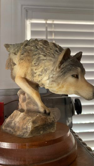 Wolf statue collectible 6 inches tall number 4194 titled footloose very good condition probably composite for Sale in West Palm Beach, FL