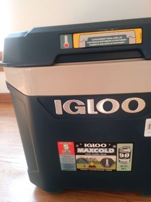 Igloo cooler for Sale in Wheaton, IL
