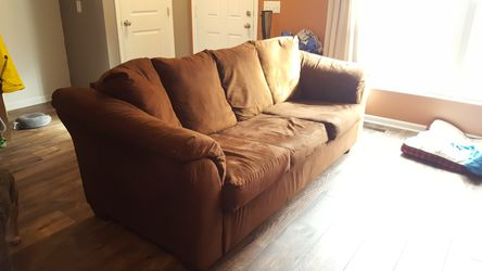 Couch/Sofa for Sale in Columbus,  OH