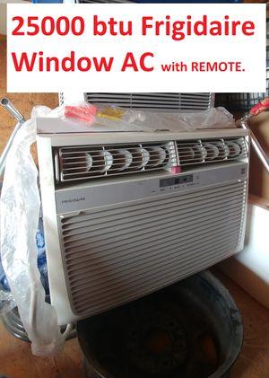 25k BTU Frigidaire Window AC unit w/ REMOTE for Sale in Las Vegas, NV