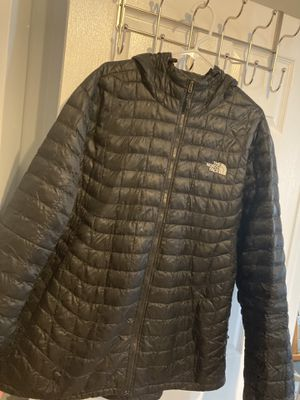 The North face thermoball for Sale in Chicago, IL
