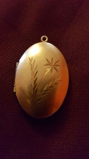 STOLENGold locket for Sale in Colorado Springs, CO