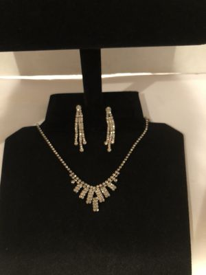 Diamond Waterfall Necklace & Matching Earrings for Sale in North Las Vegas, NV