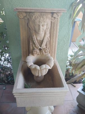 SMALL FOUNTAIN for Sale in Riverside, CA