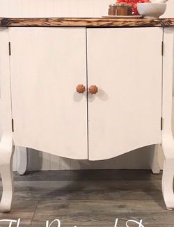 Small Accent Table for Sale in Red Bank,  NJ