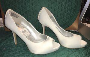Womens SZ 7 1/2 White Satin & Rinestone Peep Toe Wedding Heels for Sale in Fort Oglethorpe, GA