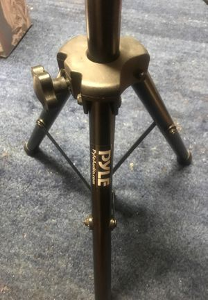 Pyle Universal Speaker Stand - Heavy Duty Tripod w/Adjustible Height for Sale in Sunnyvale, CA