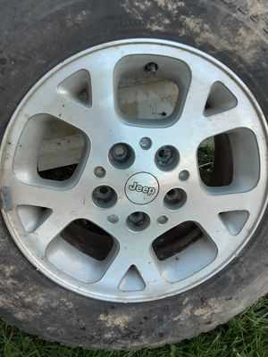 Jeep wheel for Sale in Eddington, PA