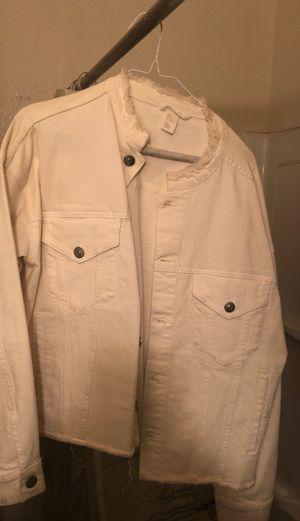 White , kinda cropped denim jacket for Sale in Las Vegas, NV