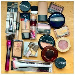 Make up bundle makeup brushes for Sale in Pomona, CA
