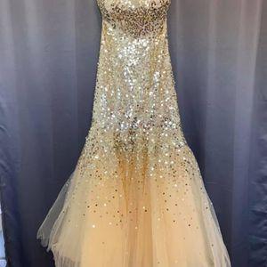Dress for Sale in Lake Villa, IL