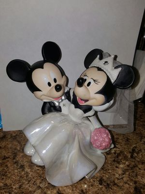 Mickey and Minnie porcelain wedding statue for Sale in Philadelphia, PA