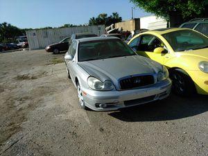 2004 Hyundai sonata parts for Sale in Tampa, FL
