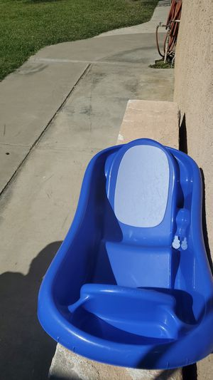 Baby bath free for Sale in Lake Elsinore, CA