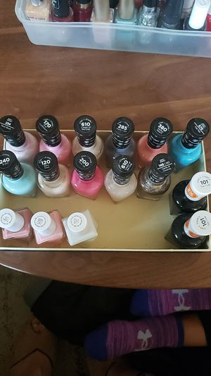 Gel nail polishes Essie & Sally Hansen for Sale in Irvine, CA