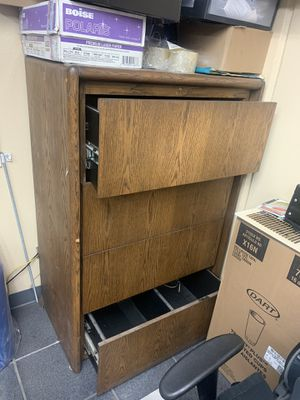Free wood cabinet for Sale in Paramount, CA