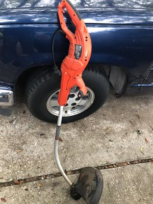 Electric weed wacker weedeater black and decker for Sale in Humble, TX