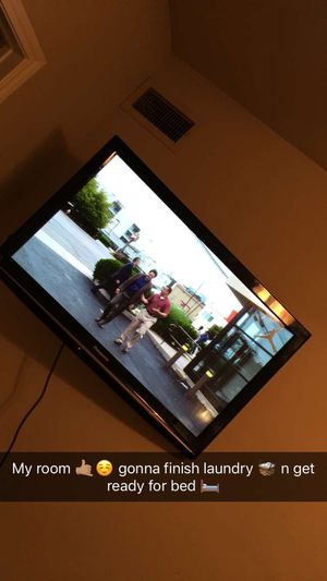 Panasonic TV with wall mount included 250.00 for Sale in Austin, TX