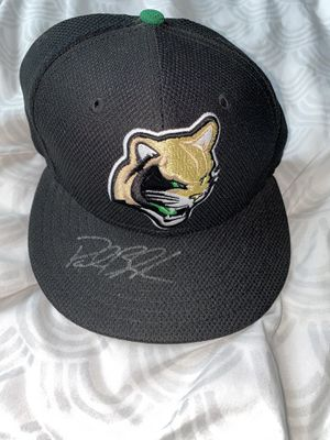 AUTOGRAPHED KANE COUNTY COUGARS HAT for Sale in Elgin, IL