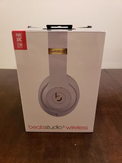 Beats solo 3 wireless bluetooth headphones by Dr Dre for Sale in Chula Vista,  CA