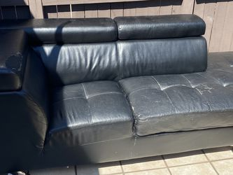 Free - Sofa for Sale in Hialeah,  FL