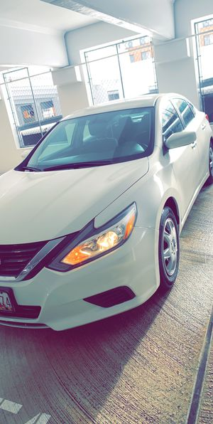 Nissan altima for Sale in Forest Heights, MD