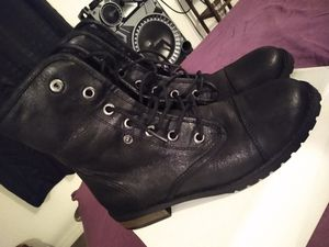 Woman's boots size 10 for Sale in Miami, FL
