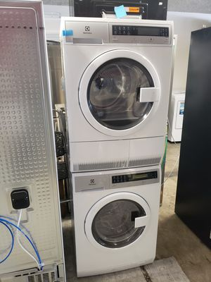 New Electrolux Washer & Electric dryer Ventless for Sale in Seal Beach, CA