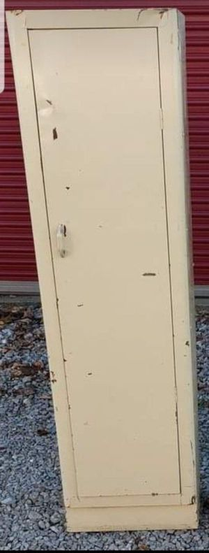 Vintage Metal Storage Pantry Shelf for Sale in Amherst, OH