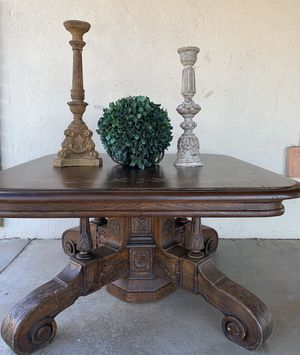 OVERSIZED PRIMITIVE COFFEE TABLE for Sale in Tempe, AZ