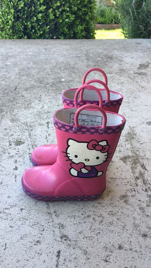 Hello Kitty Rain Boots - SIZE 7/8 (toddler) for Sale in South San Francisco, CA