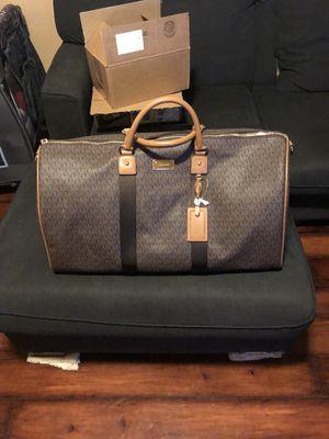 Michael Kors XL Travel Duffle Bag (Brown/Acorn) for Sale in La Puente, CA