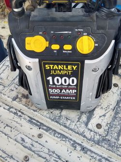 Stanley Jumper/Charger Box for Sale in Pinellas Park,  FL