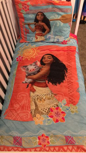 Toddler size Moana bedding set for Sale in Burleson, TX