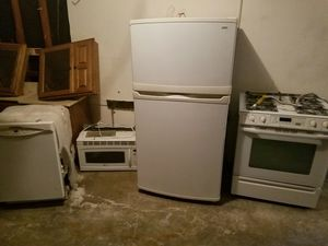 FULL SET OF KITCHEN APPLIANCES for Sale in Florissant, MO