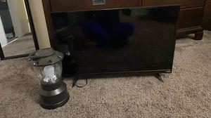 32 inch Vizio tv for Sale in La Habra, CA