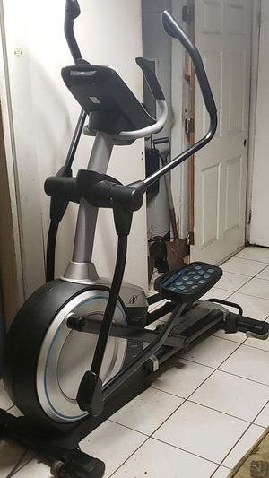 Nordictrack E9.0 Z Front Drive Elliptical with Incline!!! for Sale in Los Angeles, CA